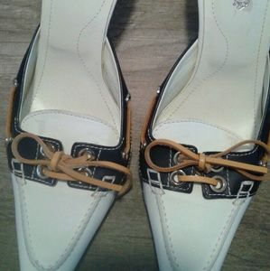 Tod's mules size 6 .